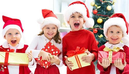 Подарок маленьким детям на новый год
